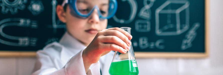 Kinder für die Wissenschaft begeistern – Chemie Experimente für Zuhause